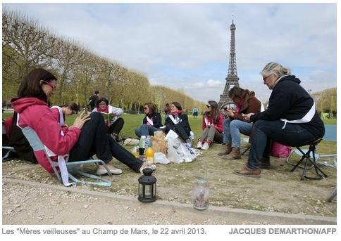 """Image - La Croix écrit : """"Manif pour tous, le Défenseur des droits dénonce la répression contre des « veilleurs »"""""""