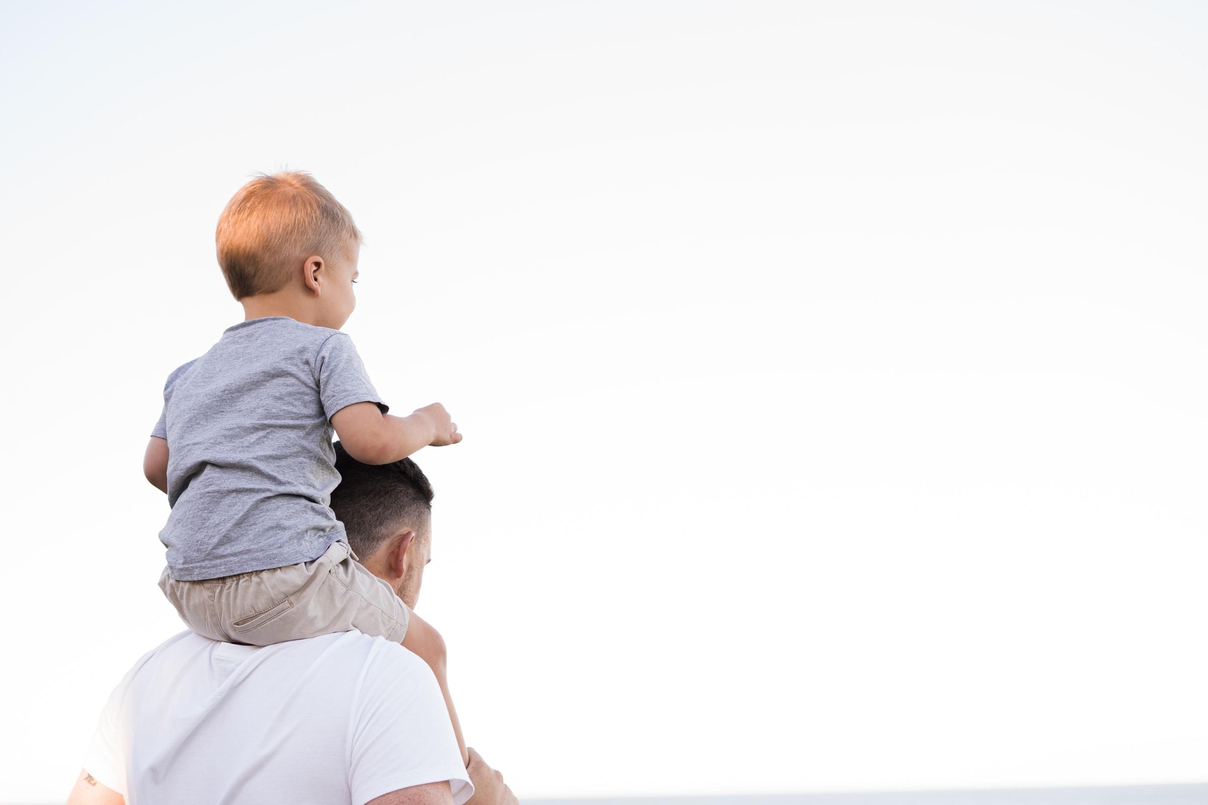 Image - Allongement du congé paternité : le Président de la République et le gouvernement en pleine contradiction